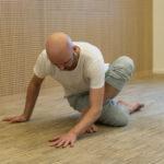 Fascial Flow - lær at bevæge bindevævet, regulere nervesystemet og reducere stress og spændinger.